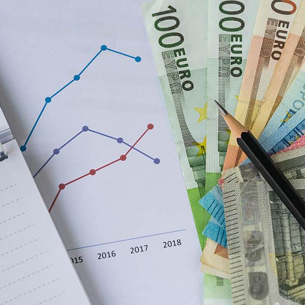 Pourquoi et comment l'endettement de la Belgique se réduit-il ?