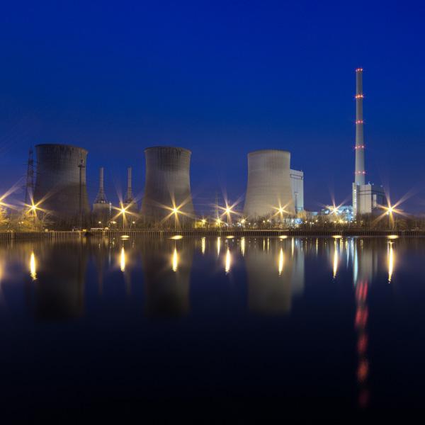 En quoi le projet MYRRHA va-t-il réduire le volume et la durée de radiotoxicité des déchets radioactifs ?